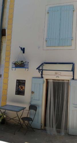 La Parenthèse - toit terrasse : Apartment near Die