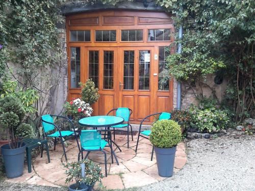 Le Chanois : Bed and Breakfast near Anteuil