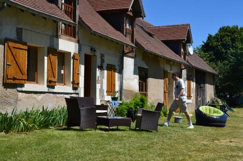 Gite en Berry : Guest accommodation near Saint-Martin-de-Lamps