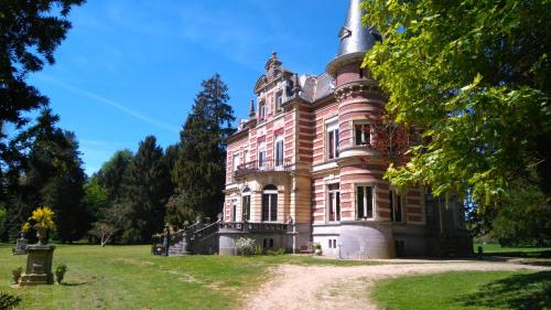 Château De Colagnie-Des-Bois : Bed and Breakfast near Saint-Samson-la-Poterie