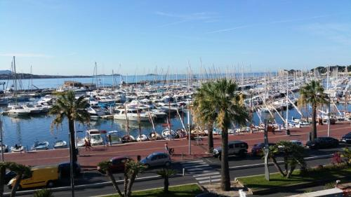 Appartement Sur Le Port De Bandol : Apartment near Bandol