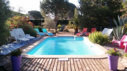 La Lucques Masabelle : Guest accommodation near Aigues-Vives