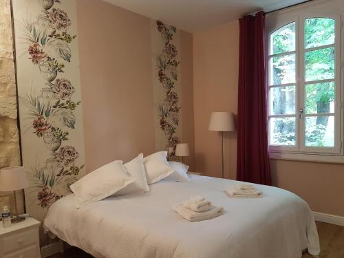 La Maison des Marronniers : Bed and Breakfast near Saint-Quentin-la-Poterie