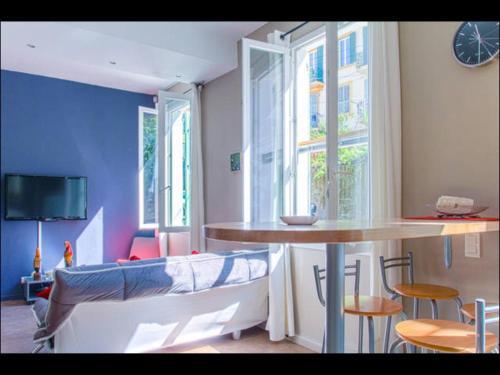 Peace Sanctuary : Apartment near Saint-André-de-la-Roche