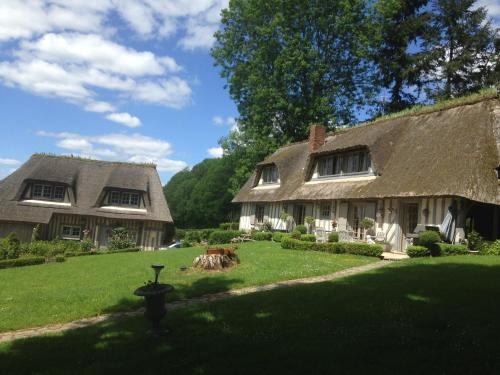 Les chaumières du pays d'auge : Bed and Breakfast near Glos