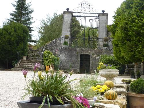 Château de la Hussardière : Bed and Breakfast near Culmont