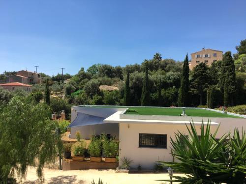 Villa Les terrasses sur mer : Guest accommodation near Évenos