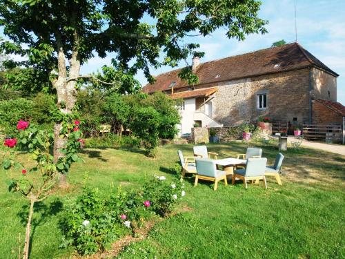 Moulin de Pras : Bed and Breakfast near Bissy-sous-Uxelles