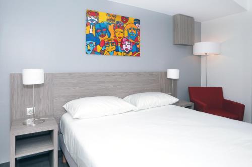 Hotel The Originals Aubagne Linko (ex Qualys-Hotel) : Hotel near La Penne-sur-Huveaune