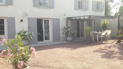 La charentaise : Bed and Breakfast near Dompierre-sur-Charente