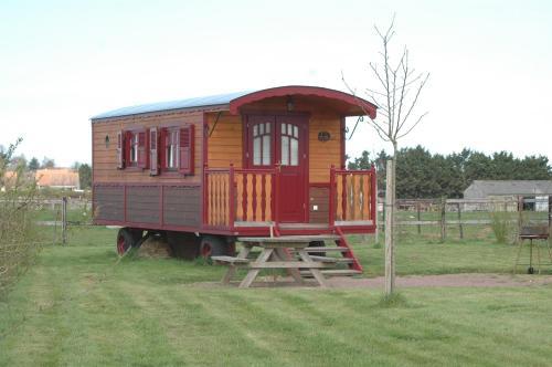 La Roulotte des Matis : Guest accommodation near La Caine