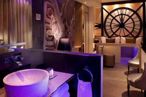 Hotel Design Secret de Paris : Hotel near Paris 17e Arrondissement
