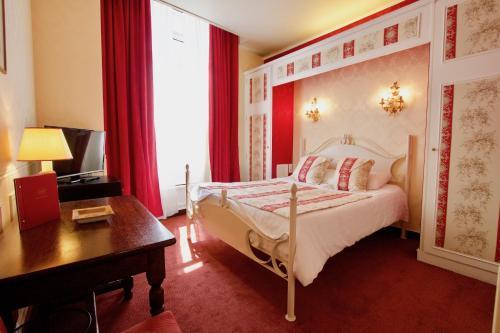 Hotel de la Bretonnerie : Hotel near Paris 4e Arrondissement