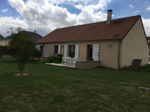 La Maconnaise : Guest accommodation near Queudes