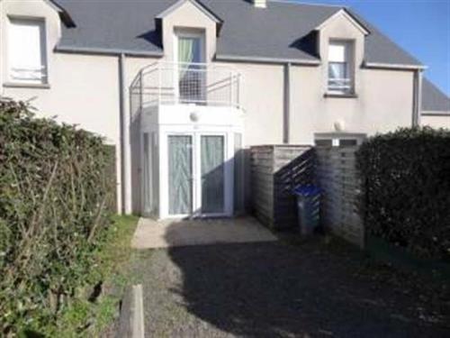 House A kairon plage, maison avec jardinet dans residence : Guest accommodation near Saint-Pierre-Langers