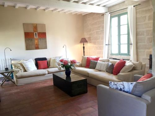 Maison Theodorit : Guest accommodation near Arpaillargues-et-Aureillac
