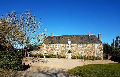 Le Manoir de Herouville : Guest accommodation near Saint-André-de-l'Épine