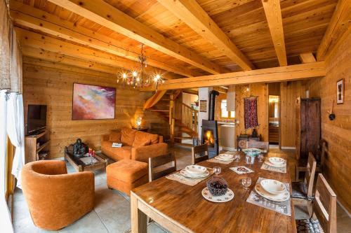 Chalets Shangrila : Guest accommodation near Saint-Julien-en-Champsaur