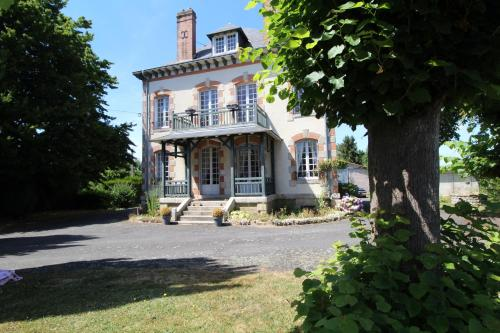 Au fil du temps : Bed and Breakfast near Champsac