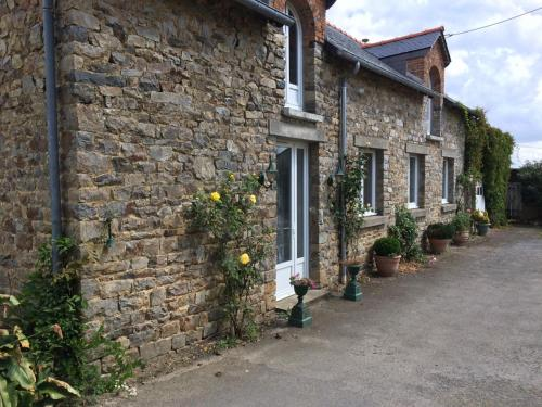 Chez Celine : Guest accommodation near Livré-sur-Changeon