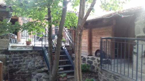 Chambres d'hôtes du Rebemol : Bed and Breakfast near Saint-Haon