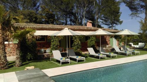 Le Mas Des Eyssares chambres d'hôtes : Bed and Breakfast near Trans-en-Provence