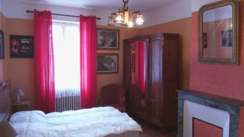 maison de village près de Rocamadour : Guest accommodation near Saint-Projet