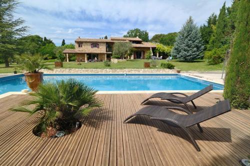 Chambre d'hôtes au coeur de la provence : Bed and Breakfast near Saint-Cannat