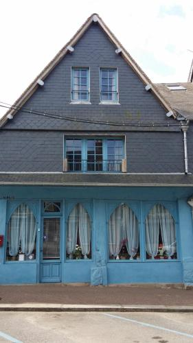 Les Trois Cheminees : Bed and Breakfast near Le Mesnil-Germain