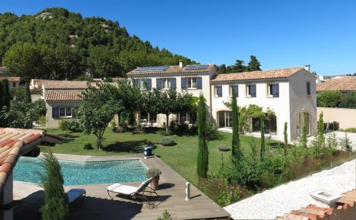 Maison d'hôtes des jardins : Guest accommodation near Salon-de-Provence