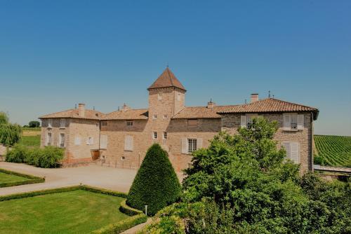 Château de Besseuil : Hotel near Saint-Maurice-de-Satonnay