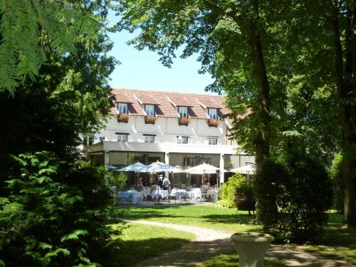Hostellerie Du Royal Lieu : Hotel near Pronleroy