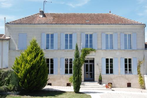 Maison Schuler : Guest accommodation near Saint-Simon-de-Pellouaille