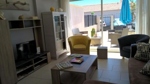 Le pre aux cigales : Guest accommodation near Arpaillargues-et-Aureillac
