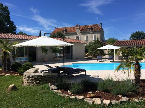 Le Couvent : Bed and Breakfast near Puyjourdes