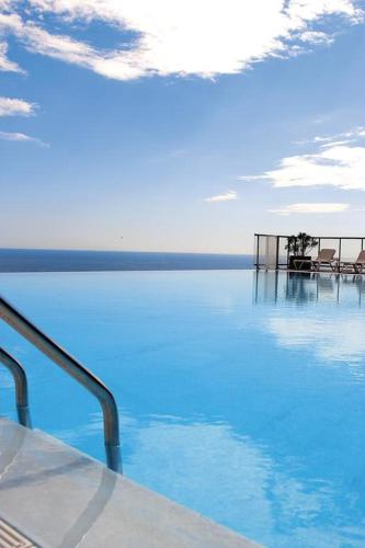 Appt 5 personnes vue mer piscine Costa Plana Cap d'Ail Monaco : Apartment near Èze