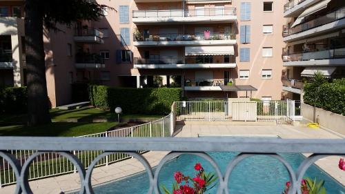 Cœur bleu - 2 pcs+piscine : Apartment near Cagnes-sur-Mer