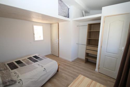 Maison de village : Apartment near Gallargues-le-Montueux