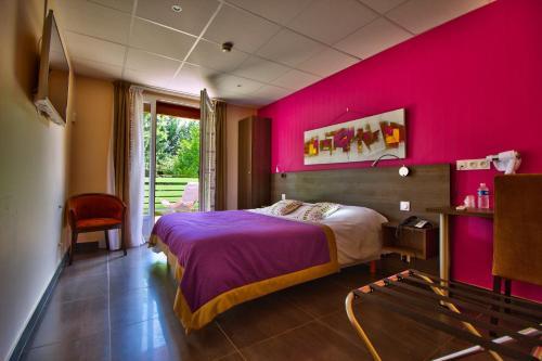 Le Chalet du Mont Roland : Hotel near Gatey
