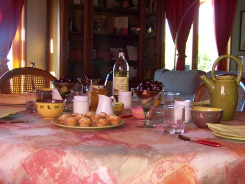 Croix Blanche : Bed and Breakfast near Marcenod