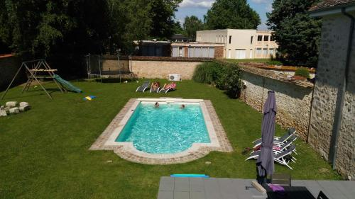 Les Tilleuls : Bed and Breakfast near Savigny-le-Temple