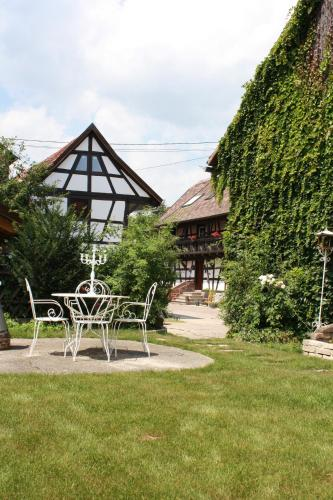 La Grange aux Coqs : Bed and Breakfast near Hangenbieten