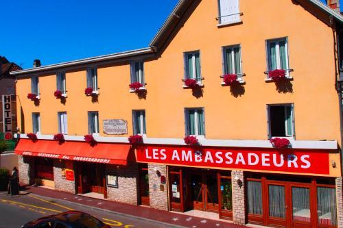 Les Ambassadeurs Hotel Le News - Logis : Hotel near Cazoulès