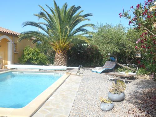 la dominicaine : Guest accommodation near Fouzilhon