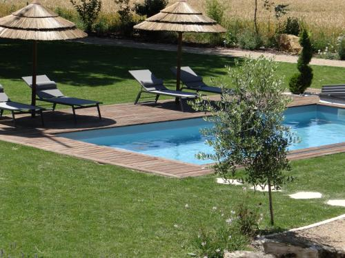Chambres d'hôtes Les Marguerites : Bed and Breakfast near Champdolent