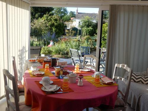 Chez Marie : Bed and Breakfast near Frasnay-Reugny