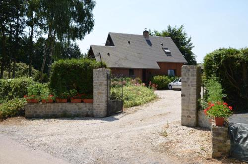 Chambres d'hotes du creulet : Bed and Breakfast near Bernesq