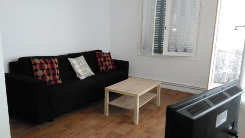 Bel appartement a vivre : Apartment near Chagnon