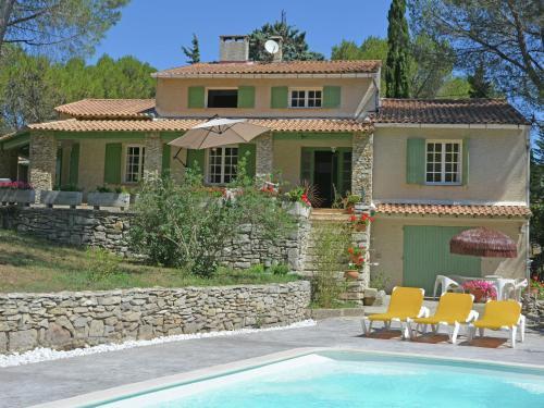 Belle Maison près du Pont du Gard II : Guest accommodation near Vallabrègues