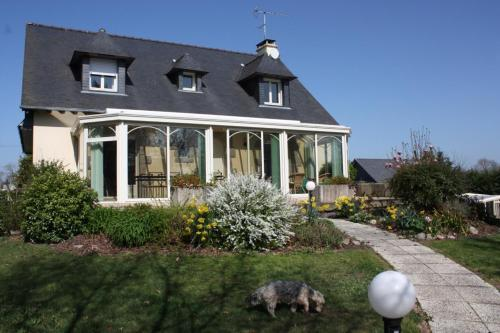 Ker Gaston des Bois : Bed and Breakfast near Saint-Erblon